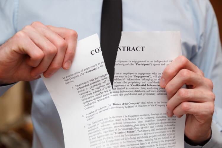 ¿Qué hacer para resolver un incumplimiento de contrato?